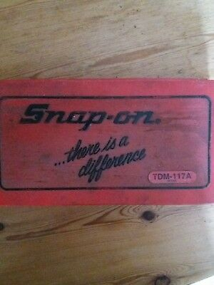Snap on tap and die set