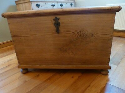 ANTIQUE PINE 18th/19th CENTURY CHEST/TRUCK