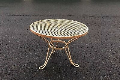 Vintage PATIO WROUGHT IRON Mesh Round Coffee Table Side Table Rare!