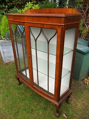 Edwardian Glass Display Cabinet With Claw Feet & 2 Glass Shelves And Key