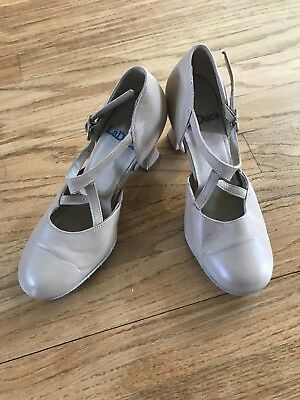 VERY LIGHTLY used LaDuca Alexis Style Character Shoes 3 Inch , Beige, Size 6 1/2