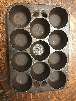 Vintage/ Antique 11 Cup Cast Iron Muffin Pan A