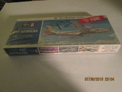 Brand New Sealed In Box Revell American Airlines 707 Astrojet