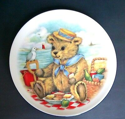 Royal Vale Collectible Teddy Bear At The Beach Display Wall Plate, Excellent