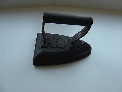 Victorian Number 4 Black Cast Iron Flat Iron Weight 1.8 Kilos.