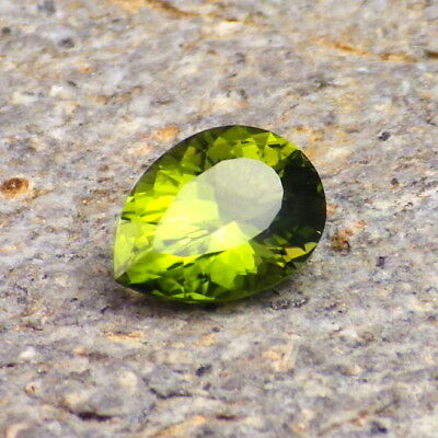PERIDOT / OLIVINE-ARIZONA 1.58Ct FLAWLESS-NATURAL LIME GREEN COLOR-FOR JEWELRY!