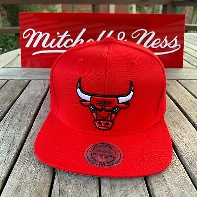 907c69e79df8 Mitchell   Ness Chicago Bulls Snapback Hat All Red Red Regular Size Logo