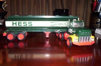 1984 Hess Truck With Box And Top Insert