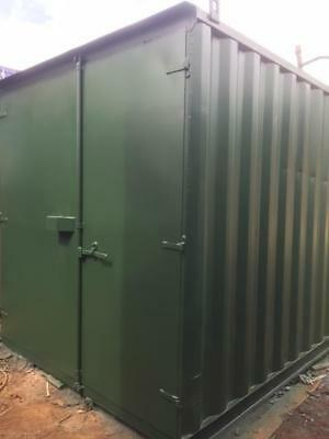 """8'x8'x8'6"""" ex Shipping Container with lock box £700"""