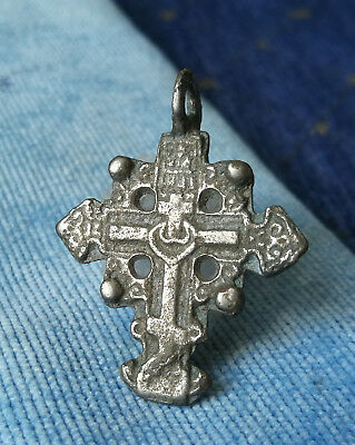16-17th LATE MEDIEVAL SILVERED BRONZE CROSS PENDANT - ARTIFACT WEARABLE