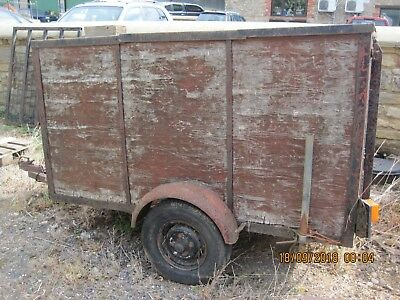 small wooden livestock trailer Spares or repair