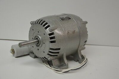 Used Parvalux 93w 230/250v AC Electric Motor Single Phase 1440RPM 1/8hp