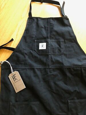 Knife & Flag Core Apron in Black
