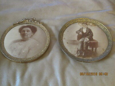 Old COLUMBIA PORTRAIT CO Round Tin Photo Picture Frame LADY& CHILD Chicago PAIR