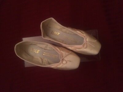 Bloch Pink Pointe Shoes - Size 4 C - Suprima - New