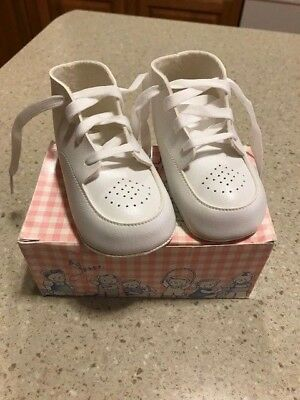 "Vintage ""precious Feet"" Buster Brown Baby Shoes In Box   White   Pre-Owned"