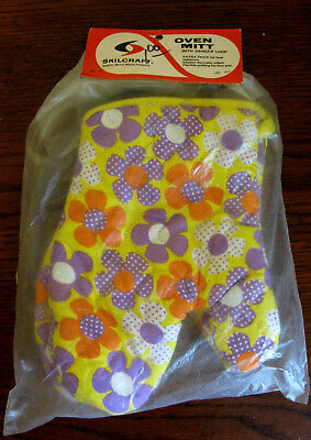 Vintage 1960's Oven Mitts ....Flower Power...