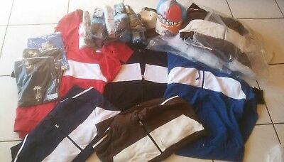 12 Hoodies James & Nicholson + 3 T-Shirts + 13x Mehrpack Socken +  2 Caps