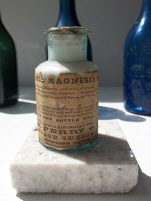 """Pontil, Label ~ """"Soluble Magnesia Power ~ N. PERRY ~ Georgetown Station, Conn."""""""