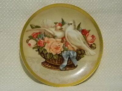 "Gloria Vanderbilt Collector Plate ""ROMANCE IN BLOOM"" Doves and Flowers 1992 NEW"