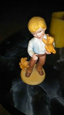 """""""Avon"""" 1981 'Best Friends' Figurine Boy And Dogs Porcelain Figure - Pre-Owned"""