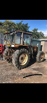 1993 Renault 4 Wheel Drive Tractor And Power Loader