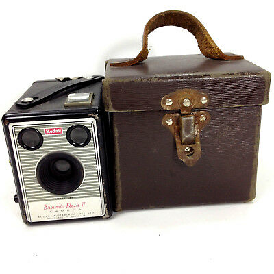 KODAK BROWNIE FLASH II CAMERA Vintage Australia Original Case & Service Card