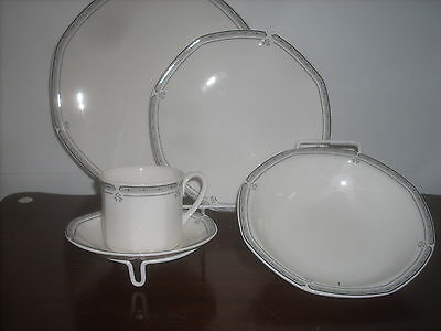 Royal Doulton Newport  fine china1- 5pc. place setting new perfect