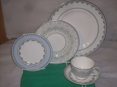 Royal Doulton Taylor 1- 5pc. place setting new perfect condition bone china