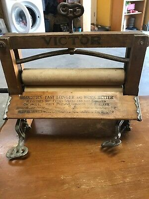 Dowswell, Lee's & Co. Hamilton, Canada. Clothes Wringer Antique Early 1900s