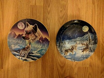 Decorative Wolf themed set of 2 plates