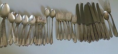 Plymouth Silverplate Jewel Floral Design Meriden Silver Plate Co. 40 pc