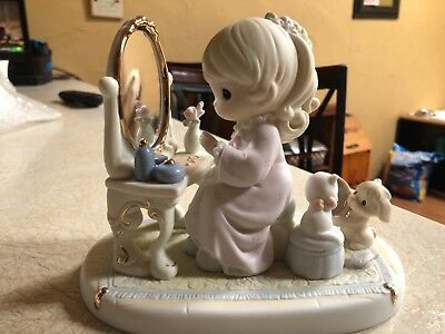 Precious Moments Figurine -  175277, God's Love Is Reflected In You