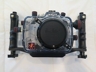 Ikelite 6871.05 200FL Underwater TTL Housing for Canon EOS 5D with ports