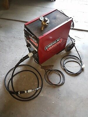 Lincoln Mig Welder 220 Compact Single Phase With Torch, Wire And Regulator
