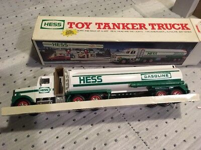 NIB 1990 Hess Toy Tanker Truck Dual Sound Switch Lights BRAND NEW Collectible