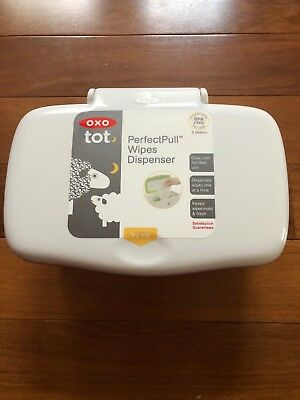 OXO perfectfull wipes dispenser Pink