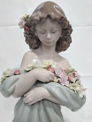 Vintage Retired Lladro, Petals of Love #6346 Young Girl w/ Flowers. Mint Cond.