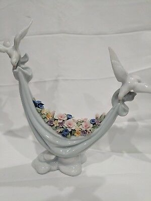 LLADRO # 6579 PETALS OF PEACE 1998 PREMIERE ISSUE . Mint Condition