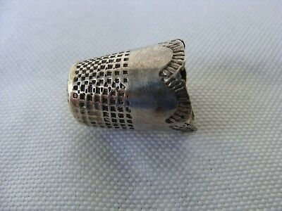 Vintage Antique Tooled Stamped Design Scalloped Edge Silver Thimble