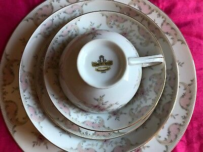 Harmony House Antoinette 6 piece place setting - Gorgeous!