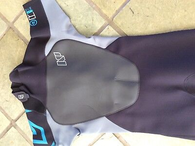 wetsuit shorty NP  SIZE M new with tags