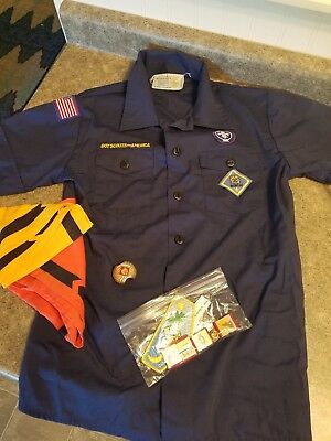 Boy Scouts Youth Medium Shirt With Extras