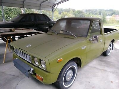 1974 Toyota Hilux  NO RESERVE! Project truck with almost $2000 in spare parts included!