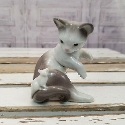 Lladro Cat kitten mouse figurine 5236 pink bow