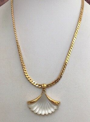 Vintage Signed Avon Frosted Glass Shell Pendant Necklace With Chain