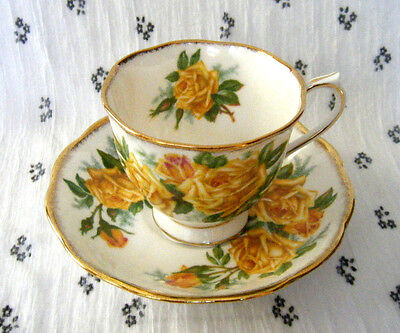 ROYAL ALBERT TEA ROSE Tea Cup & Saucer 2-Piece Set Fine Bone China Yellow Roses