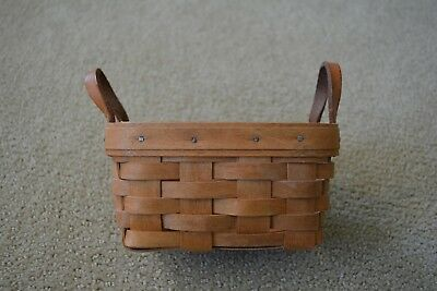 Small Longaberger Tea Basket with 2 Leather Handles
