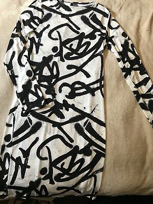 Jersey Grafitti Dress Cream And Black Long Sleeves Size Large Poly/Spandex