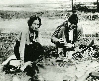 """American Gangsters Bonnie and Clyde in 1933 8""""x 10"""" Photo Picture 55"""